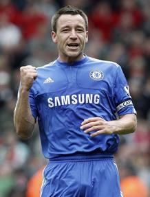 El capitán del Chelsea, John Terry, podría levantar el título de la Premier.