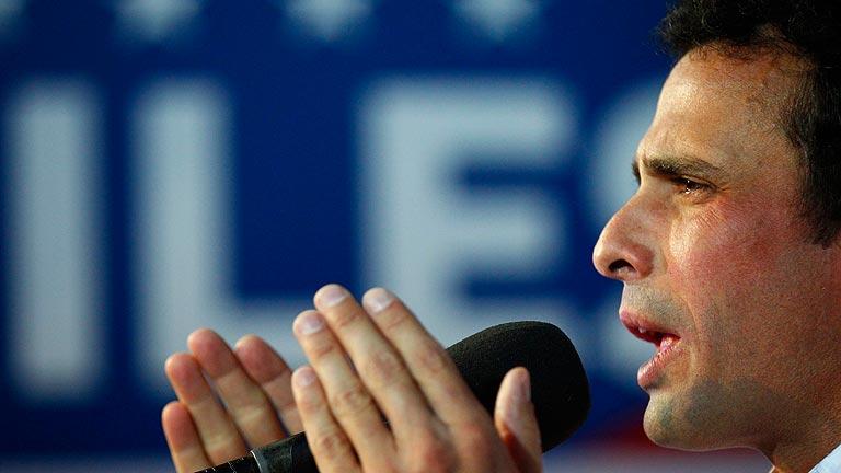 """Capriles acusa al Gobierno de Maduro de """"robar"""" las elecciones"""