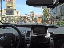 El vehículo autónomo de Google, circulando por las calles de Las Vegas (Nevada, EE.UU.)