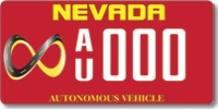 La matrícula roja con el llamativo símbolo del infinito será la seña particular de los vehículos autónomos en el estado de Nevada.