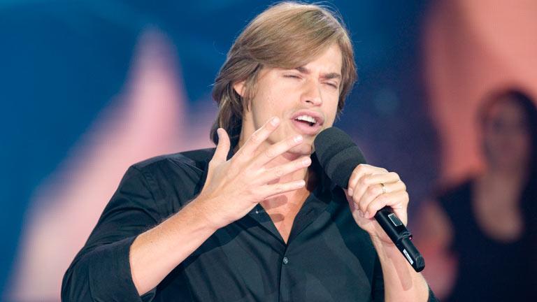 Disco del año 2011 - Actuación de Carlos Baute