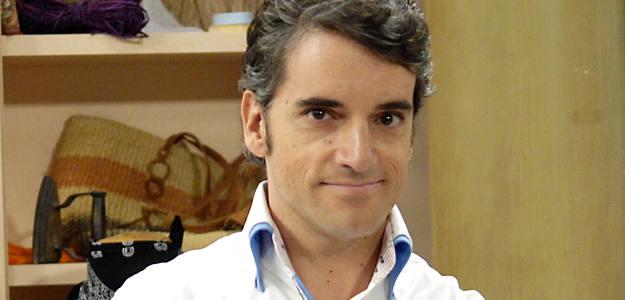 Xisco Segura interpreta a Carlos en Stamos okupa2