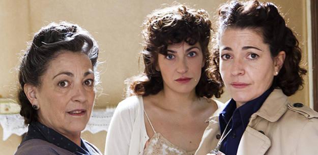 Carmen Maura, Marina Gatell y Nora Navas en una escena de 'Carta a Eva'