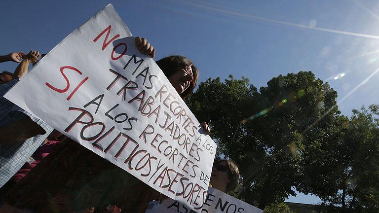 La carretera de Andalucía, escenario de las primeras protestas del día contra los recortes