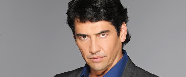 Gabriel Porras interpreta a Gonzalo Ibáñez en La casa de al lado