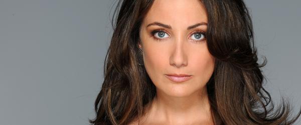 Rebeca Arismendi, interpretada por Karla Monroig en La casa de al lado