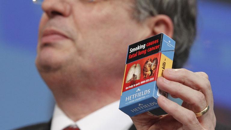 Europa propone aumentar las advertencias sanitarias en el tabaco y prohibir el de sabores