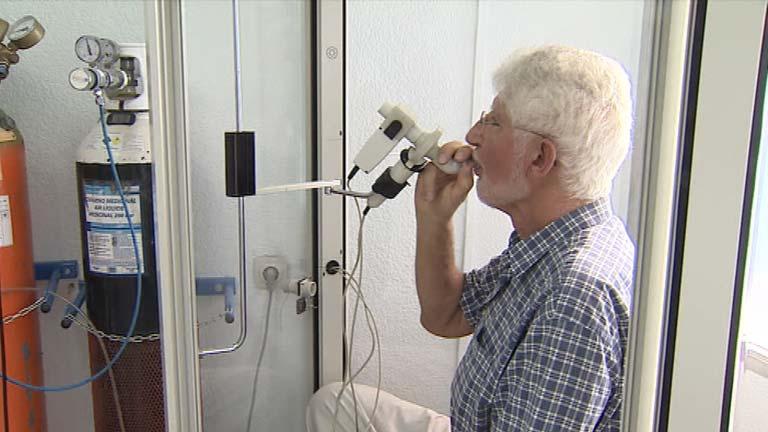 Pájaros y plumas, causas principales de la fibrosis pulmonar idiopática