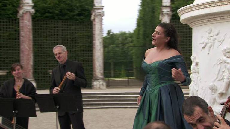 Cecilia Bartoli grabó el DVD 'Missión' en Versalles durante el verano de 2012 junto a I Barocchisti y el contratenor Philippe Jaroussky y cont ó con el apoyo del canal franco-alemán Arte