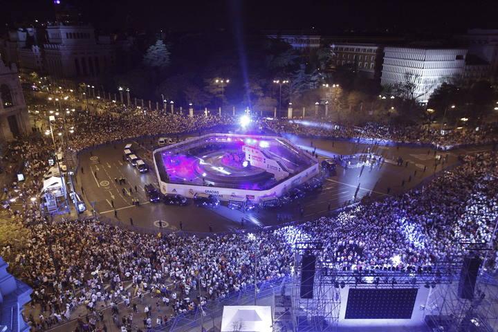 Mega ritual de adoración a Cibeles (Semiramis) de España 1397697911336