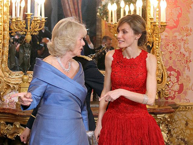 Cena de gala en el Palacio Real para homenajear al Príncipe de Gales y su esposa