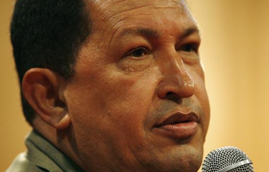 Chávez insulta al secretario general de la Interpol