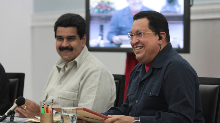 Chávez designa sucesor a Maduro ante una nueva operación de cáncer