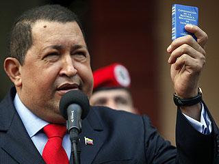 """Ver vídeo  'Chávez dice que está """"más vivo que nunca"""" para desmentir los rumores sobre su salud'"""