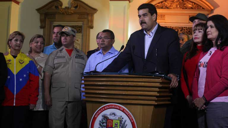 Hugo Chávez se recupera tras la operación