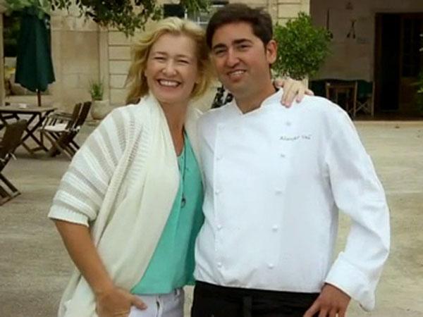 """Chef Víctor Bayo cocina en el hotel rural Alcaufar Vell: """"La isla me ha dado paz, tranquilidad, armonía, libertad"""""""