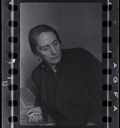 Chim (David Seymour) [Dolores Ibárruri (La Pasionaria), Madrid], finales abril comienzos julio 1936. © Estate of David Seymour / Magnum Photos International Center of Photography