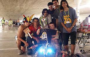 Ver v?deo  'Los 'cibervoluntarios' toman la Campus 2002'