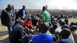 Ver vídeo  'Cientos de manifestantes piden justicia en Sudáfrica por la muerte de los mineros'