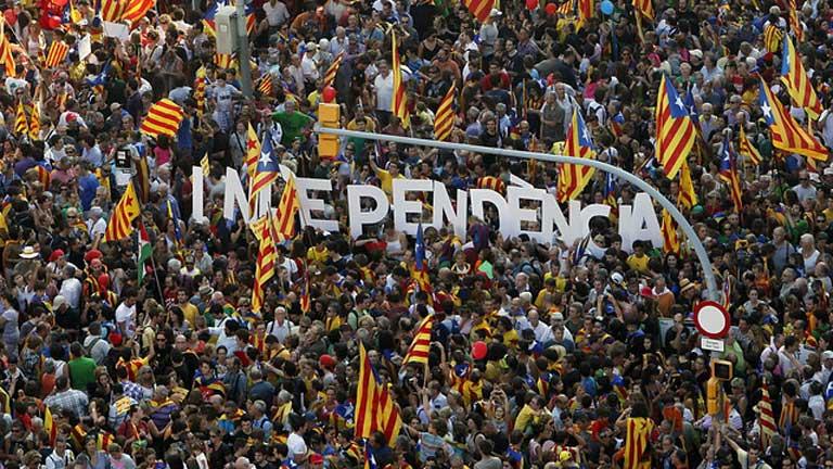 Cientos de miles de personas se manifiestan a favor de la independencia de Cataluña