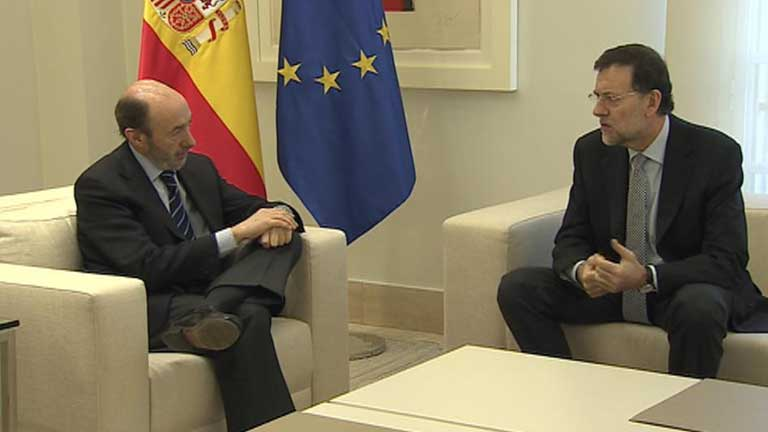 La conversaci&oacute;n telef&oacute;nica entre Rajoy y Rubalcaba deja una cita para este viernes en Moncloa