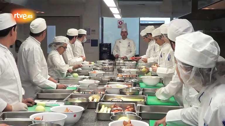 MasterChef - Los aspirantes reciben la primera clase de Le Cordon Bleu Madrid