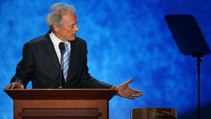 """Ver vídeo  'Clint Eastwood, duro con Obama: """"Si alguien no hace su trabajo, hay que echarlo""""'"""