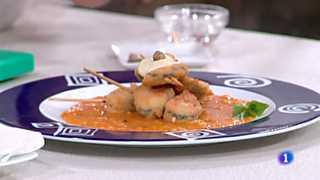 Ver vídeo  'Cocina con Sergio - Brochetas de mejillones empanados con alioli de pistachos'
