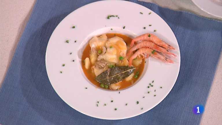 Cocina con sergio caldero de patatas con pescado y - Cocina con sergio pepa ...