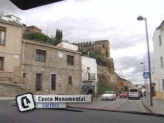 Ver v?deo  'Comando Actualidad - Casco monumental de Cáceres'