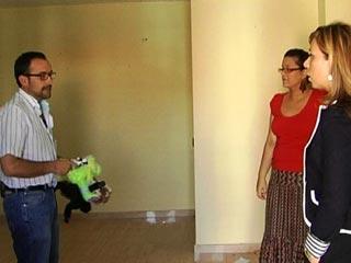 """Ver vídeo  'Comando Actualidad - """"Desahuciados, ¿y ahora qué?"""" - Casa a subasta'"""