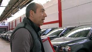 Ver vídeo  'Comando Actualidad - ¡Al ladrón! - ¿Cómo se roban 19 coches de lujo?'