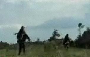 Ver vídeo  'Combate entre el ejército y guerrilleros de las FARC'