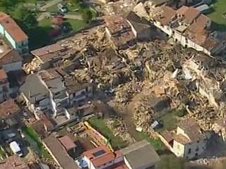 Ver vídeo  'Comienza en Italia el juicio por homicidio por el terremoto en Los Abruzos y L'Aquila'