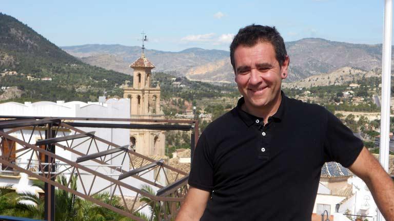 Conectando España - Finestrat: cómo doblan las campanas