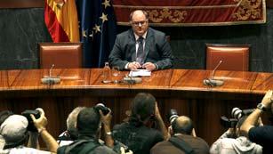 Ver vídeo  'Comparecencia íntegra del vicepresidente del CGPJ tras la dimisión de Carlos Dívar'