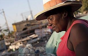Ver v?deo  'Concienciados con Haití: Colas en la embajada de EE.UU.'