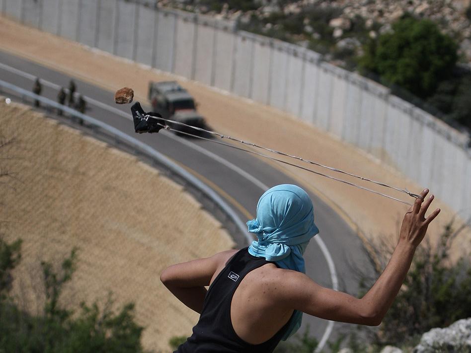El conflicto entre israelíes y palestinos ha vivido un convulso año, con una ofensiva de bombardeos sobre la franja de Gaza por parte del ejército israelí. La respuesta de Hamás no se hizo esperar, pero el alto el fuego decretado a finales de noviemb