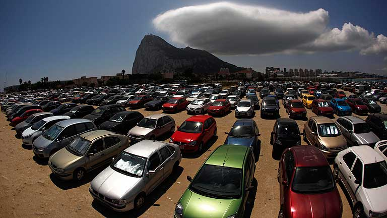 España se plantea llevar el contencioso de Gibraltar a organismos internacionales