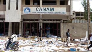 Ver vídeo  'Confusión y pillaje en la capital de Mali después del golpe militar'