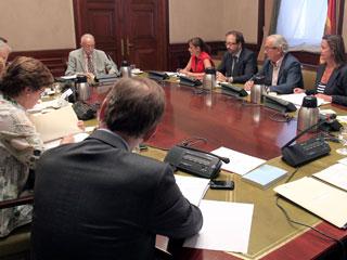 Ver vídeo  'El Congreso ha convalido el decreto para mejorar la protección a los hipotecados y a las pymes.'