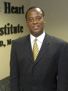 Conrad Murray, en el centro cardiovascular Acres Home de Houston.