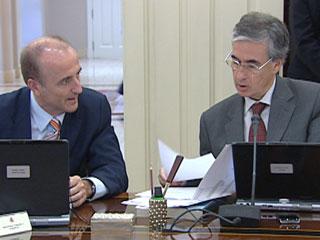 Ver vídeo  'El Consejo de Ministros aprobará las medidas de ajuste para reducir el déficit en un 6%'