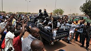 Ver vídeo  'El Consejo de Seguridad de la ONU autoriza el envío de una misión militar a Mali'