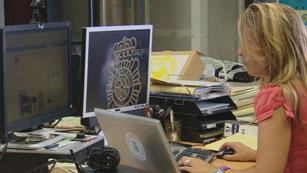 La Policía Nacional han lanzado un decálogo con consejos para comprar de forma segura.