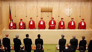 Ver vídeo  'El Constitucional alemán autoriza la ratificación del fondo de rescate permanente europeo'