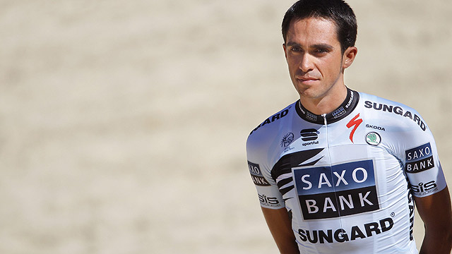 Contador, silbado en la presentaci&oacute;n del Tour