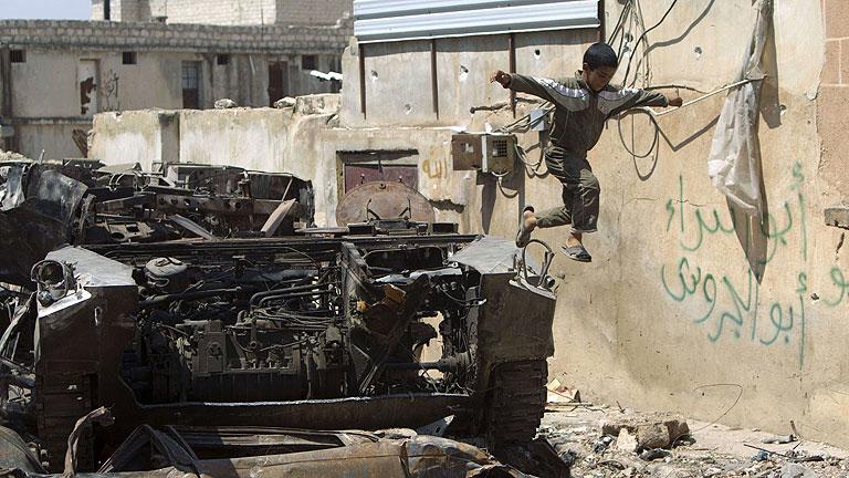 En Siria, los rebeldes atacan sedes gubernamentales