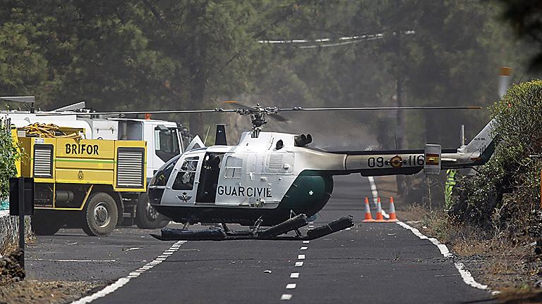 Controlan los frentes del incendio de Tenerife salvo Tágara y Chirche