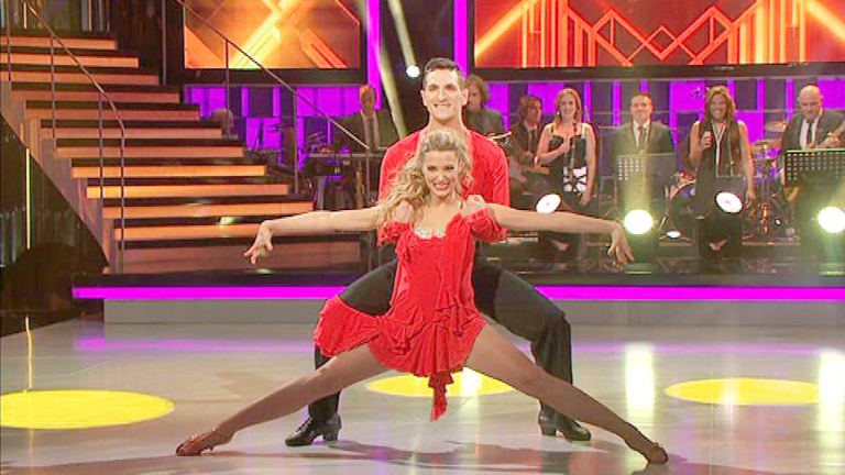 Mira quién baila - Corina debuta en Mira quién baila con una salsa